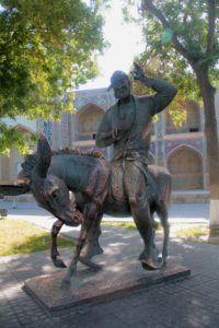 Estatua del Sancho Uzbeko. Bukhara