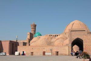 Vista exterior de un caravansar. Bukhara