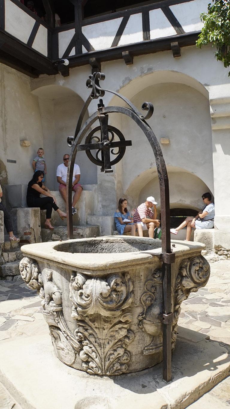 Castillo de Bran. Pozo