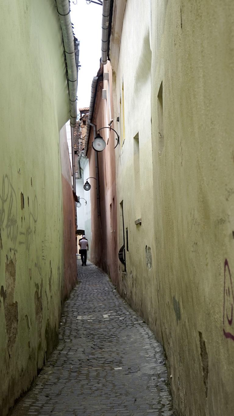 Brasov. Calle mas estrecha de Rumanía